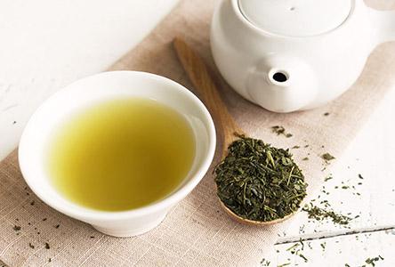 Tee und Intervallfasten: Grüner Tee